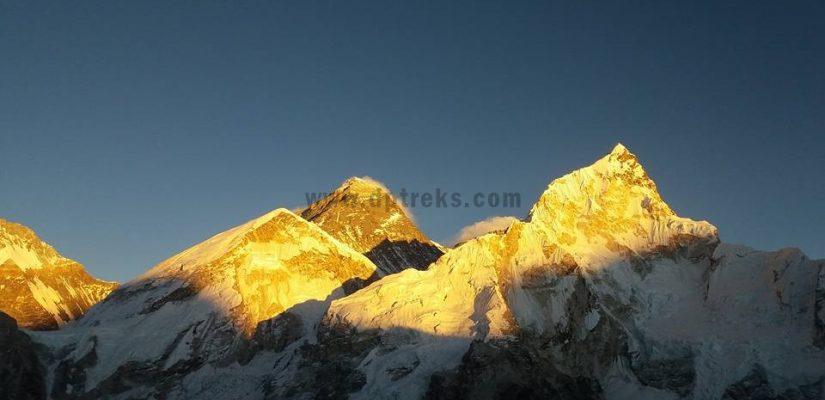 View From Tashi Labtsa Trek