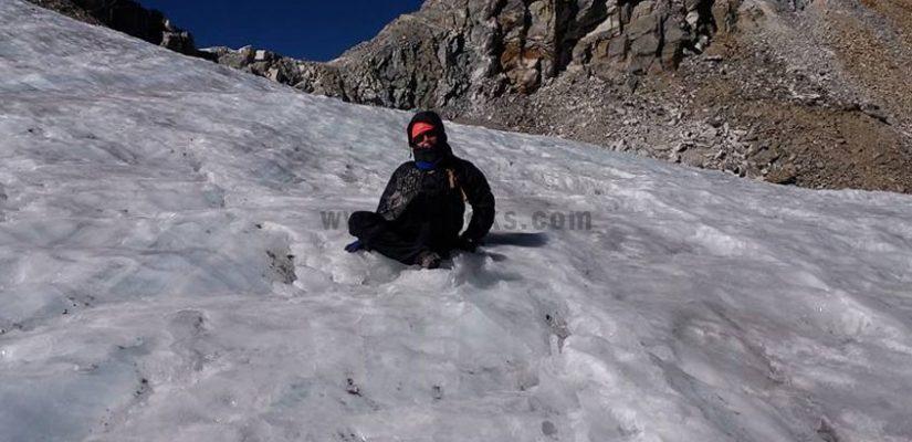 Blue-Ice-on-Labuche-Peak