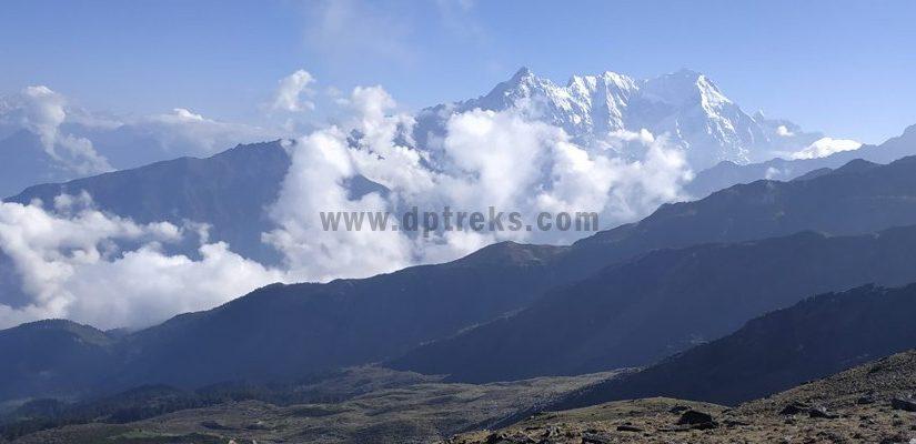 mountain-view-during-trek