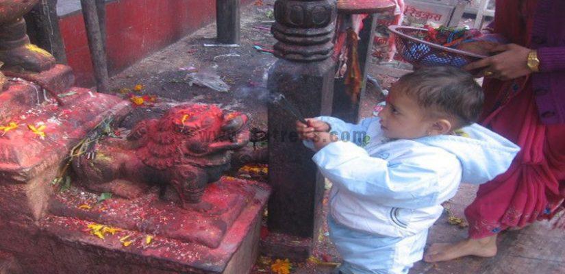 Worship-at-Khokana-Temple