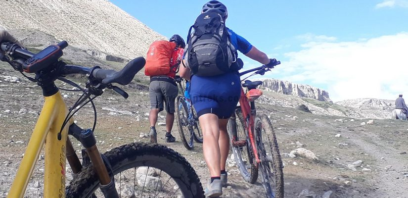 cycling tour around Annapurna