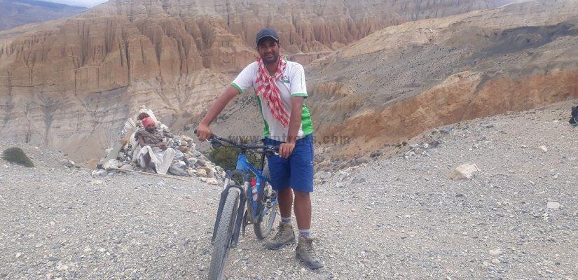 mustang cycling tour
