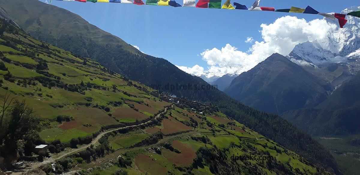 Trekking in Nepal best season